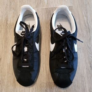 Nike Cortez Nylon Black & White 6.5